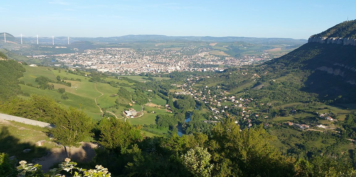 Located 25 km from Millau